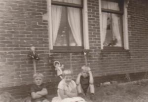 Adrie, Marjoke, Nico. Zomer 1968.