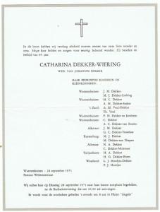 Rouwcirculaire van Catharina Dekker-Wiering, weduwe van Johannes Dekker, 24/09 1971. Zij is een zus van Anna Wiering.