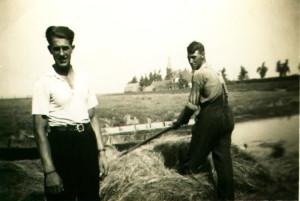 A8 Piet Visser en neef Arie Meijles Gzn.