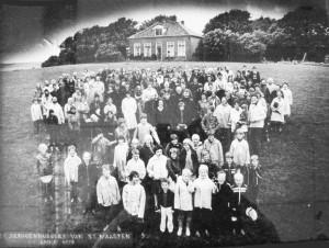Groepsfoto-eenigenburg-1978