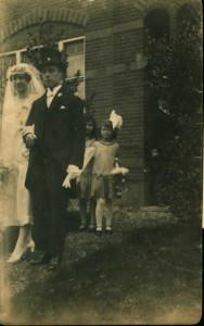 bruidsmeisje bij huwelijk Leni Lodder